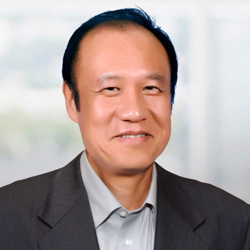 Headshot of Ken Xie.